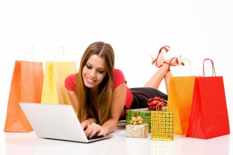 Benefits of Online Shopping for Women's Clothing